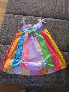 Trägerkleid Basic No 22 goes Karneval Die Mini-Tanzgruppe ist jetzt ausgerüstet et kann losjonn ♥