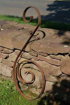 #Vintage #WroughtIron #ArchitecturalSalvage Large Rusty #IronScroll, #BassClef Wall Art, Iron #CurlyCue, Salvage Art, Garden Patio by CobblestonesVintage