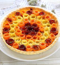 Aussi jolie que bonne cette tarte aux carottes multicolores. Elle fera fureur sur la table le dimanche midi.