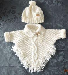 "poncho met mouwtjes en ingebreide kabel muts met bloem en lintje [ ""Wonder if I can write up a pattern for this poncho?"", ""poncho with sleeves! Baby Knitting Patterns, Knitting Baby Girl, Knitting For Kids, Baby Patterns, Free Knitting, Knitting Projects, Poncho Patterns, Baby Knits, Knitting Ideas"