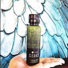 I'm doing my It Works Cleanse today! I'm getting a TON of questions about it so here is the lowdown! It's SO simple! -- One of these small bottles in the morning with breakfast and 1 at night with dinner for 2 days. Top signs you need a cleanse: Low Energy/Always tired Brain Fog Constipation/Irregular bowel movements Difficulty losing weight - even with exercising/eating healthier Always sick Bad breath Yes! You can eat on this Cleanse. Yes! This cleanse is white pants approved. Yes! You can…