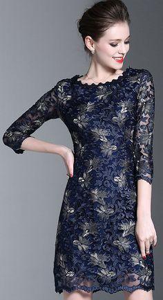 Elegant O-Neck 3/4 Sleeve Embroidery Lace Bodycon Dress