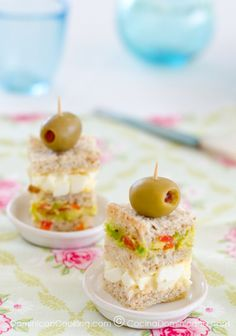 38 Tea Sandwiches That Are Tiny, but Delicious . - 38 Tea Sandwiches That Are Tiny, but Delicious … - Snacks Für Party, Lunch Snacks, Tea Party Recipes, Brunch Recipes, Mini Party Foods, Picnic Recipes, Party Appetizers, Party Party, Ideas Party