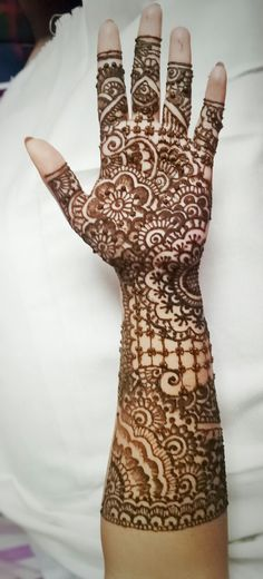 15 jan 2018 Bridal mehendi Henna is art... Try it!!