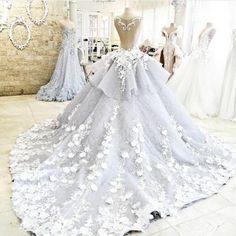 Gorgeous wedding Dress,Floral brida..