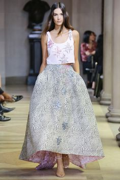 #NYFW #Spring2016 #NewYorkFashionWeek #CarolinaHerrera Carolina Herrera Spring 2016 Ready-to-Wear Collection Photos - Vogue