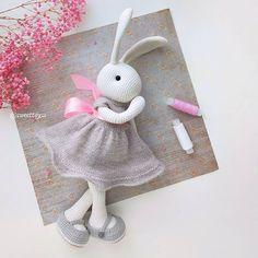 Crochet Bunny, Free Crochet, Tutorial Amigurumi, Handmade Toys, Free Pattern, Crochet Patterns, Dolls, Christmas Ornaments, Holiday Decor