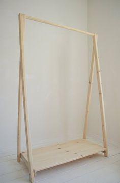 Hand Made Clothes Rack & Rail with a shelf , from Pine Wood; Elegant and Modern Hand Made Clothes Rack & Rail con un ripiano dal legno di Wood Clothing Rack, Wooden Clothes Rack, Clothes Rail, Clothes Rack Bedroom, Garment Racks, A Shelf, Wooden Diy, Diy Furniture, Industrial Furniture