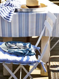 6 ways to get the coastal look in your home