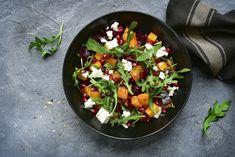 Sütőtökös, céklás saláta fetával bolondítva: tele van mindenféle téli finomsággal - Recept | Femina