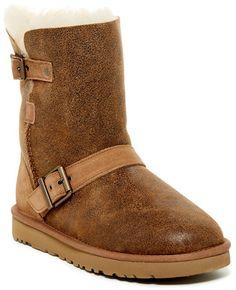 f1ed88f1d79 UGG Australia Classic Short Dylyn Genuine Sheepskin Boot Bearpaw Boots