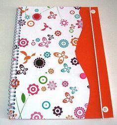 Caderno decorado.  Escolar