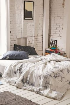 Assembly Home Marble Duvet Cover - Urban Outfitters