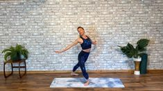 Boost your energy, circulation and mood with this short, fun and effective sequence. Sleek LOVES DANCE CARDIO!😍 Ballet Dance Videos, Ballet Dancers, Ballet Workouts, Ballet Fitness, Ballet Beautiful, Dance Studio, Burn Calories, Cardio, Spiritual