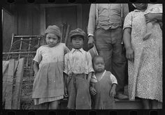 Children of FSA (Farm Security Administration) client, former sharecropper, Southeast Missouri Farms.  By Photographer Russell Lee, 1903-1986