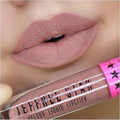 @carolinebeautyinc swatched my #CelebritySkin liquid lip  the PERFECT soft brown -> www.jeffreestarcosmetics.com