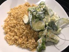 Hartweizen mit Brokkoli und Zuchetti in Yoghurt-Sauce. Grains, Rice, Kitchen, Food, Cooking, Eten, Kitchens, Seeds, Meals