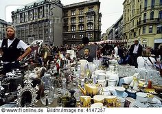 Wiener Flohmarkt, Naschmarkt, Kettenbrückengasse, 9. Bezirk, Wien ...I would never leave