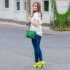 Johanna, Alemania (www.fashionstylebyjohanna.com) #camiseta #vaqueros #tacones #look #styled4justfab