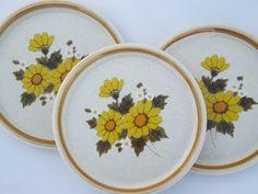 Mikasa Melissa vintage stoneware dinner plates, retro yellow daisy print