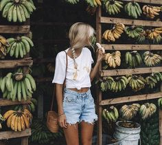 I'm going bananas 🍌 shares raw moments from Bali 🌴 Who wants to join her? Style Outfits, Summer Outfits, Cute Outfits, Hawaii Outfits, Look Body, Estilo Blogger, Tropical Vibes, Summer Vibes, Summertime