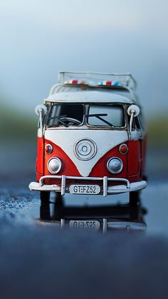 Micro Photography, Miniature Photography, Toys Photography, Creative Photography, Amazing Photography, Cool Pictures For Wallpaper, Love Wallpaper, Volkswagen, Vw T1