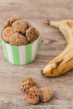 Gesunde Haferflocken-Kekse ohne Zucker, Butter und Ei // skinny oatmeal cookies Healthy oatmeal biscuits without sugar, butter and egg // skinny oatmeal cookies Low Carb Cookies, Healthy Oatmeal Cookies, Vegan Sweets, Vegan Desserts, Healthy Desserts, Cookie Fit, Baby Food Recipes, Sweet Recipes, Sugar Free Oatmeal