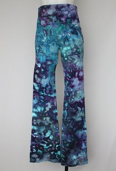Yoga Pants Ice Dyed tie dye Size Medium  by ASPOONFULOFCOLORS This item can be found on https://www.etsy.com/shop/ASPOONFULOFCOLORS?ref=hdr_shop_menu
