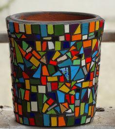 Mosaic Planters, Mosaic Garden Art, Mosaic Flower Pots, Mosaic Bottles, Mosaic Glass, Glass Art, Mosaic Furniture, Mosaic Portrait, Mosaic Projects