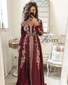 Modern Hijab Fashion, Arab Fashion, Muslim Fashion, Steampunk Fashion, Gothic Fashion, Morrocan Dress, Moroccan Caftan, Beautiful Prom Dresses, Simple Dresses