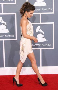 grammy's 2012. perfect beauty. sexy dress. kate beckinsale.
