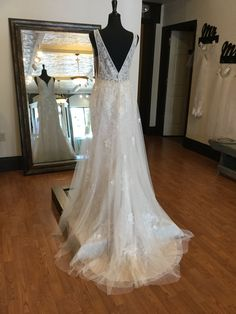 Unique Wedding Dress - French Tulle Wedding Dress with Soft Shimmer Bridal Gowns, Wedding Gowns, Tulle Wedding, Princess Wedding, Wedding Dress Styles, Perfect Wedding, Photo Ideas, French, Unique