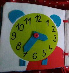 Textilní knížka EMAMA - stránka hodiny