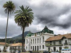 Hermoso rincón y plaza colonial. Zipaquira Colombia