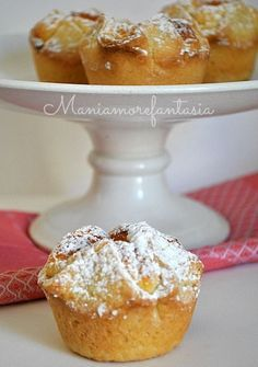 Italian Food ~ ~ shower heads with ricotta, Abruzzese dessert Italian Pastries, Italian Desserts, Italian Dishes, Mini Desserts, Just Desserts, Italian Recipes, Delicious Desserts, Italian Cooking, Cupcakes