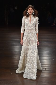 Best of Bridal Fall 2017 Couture Wedding Gowns, Bridal Gowns, Wedding Dresses, Indian Designer Outfits, Indian Outfits, Naeem Khan Bridal, Unconventional Wedding Dress, Evening Dresses, Afternoon Dresses