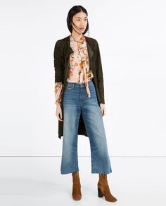 Discover the new ZARA collection online. Cropped Jeans Outfit, Flare Jeans Outfit, Jeans Outfit Winter, All Jeans, High Jeans, High Waist Jeans, High Waisted Cropped Jeans, Women's Jeans, Jean Outfits