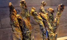 schnelles Fingerfood l Parmesan Pesto Stangen aus Blaetterteig Parmesan, Jamie Oliver, Pesto, Smoothie, Low Carb, Vegetables, Burger, Starters, Dips