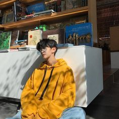 Discover recipes, home ideas, style inspiration and other ideas to try. Cute Asian Guys, Cute Korean Boys, Asian Boys, Asian Men, Cute Boys, Korean Fashion Men, Ulzzang Fashion, Korean Street Fashion, Korea Fashion