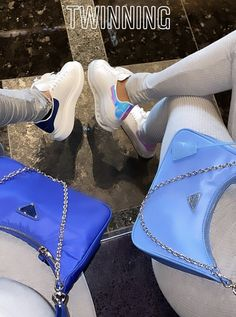 Luxury Purses, Luxury Bags, My Bags, Purses And Bags, Fashion Bags, Fashion Outfits, Best Friend Outfits, Accesorios Casual, Cute Comfy Outfits