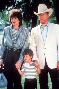 Linda Gray, Larry Hagman and Omri Katz, a.k.a. Sue Ellen, JR & John Ross Ewing!