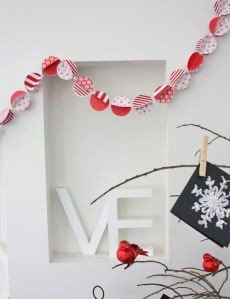 christmas bauble garland diy craft project