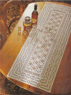 Lace Doilies, Crochet Doilies, Crochet Lace, Crochet Table Runner, Crochet Tablecloth, Filet Crochet Charts, Fillet Crochet, Table Runners, Crochet Patterns