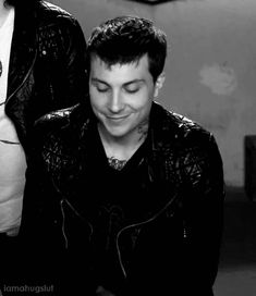 Ooh my.... Noo don't do it .... Damn it, he did it<<that looks like Gerard's jacket, in an interview I watched frank was wearing it and in pics of gee he is wearing it! I know frerard isn't real but it got me wondering
