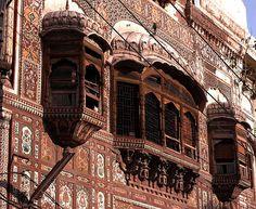 windows, haveli of maharaja naunihal singh, lahore, pakistan