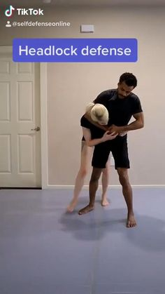 Martial Arts Self Defense, Brazilian Jiu Jitsu-Head Lock Defense Fight Techniques, Martial Arts Techniques, Self Defense Techniques, Kickboxing Workout, Gym Workout Tips, Workout Videos, Workout Challenge, Self Defense Moves, Self Defense Martial Arts