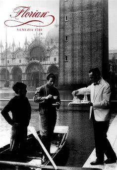 "Magnete Florian ""Acqua Alta"" Caffè #Florian a #Venezia San Marco - Florian #cafè in #Venice Saint Mark #travel #travelinspiration  #italy #italia #veneto #instaitalia #italianalluretravel #lonelyplanetitalia #lonelyplanet"