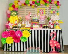 FESTA FLAMINGO TROPICAL Flamingo Party, Flamingo Birthday, Luau Birthday, Birthday Parties, Aloha Party, Luau Party, Birthday Party Decorations, Videos, Baptisms