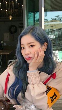 Kim Dahyun photo and wallpapers. Nayeon, Kpop Girl Groups, Korean Girl Groups, Kpop Girls, K Pop, Sana Cute, Divas, Twice Group, Mode Rose