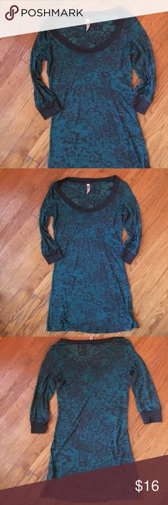 Teal and gray quarter sleeve flower top size s Greatly used green and gray xhiliration top, quarter sleeve with whimsical floral design. Top is a long fit and very thin see through material. Xhilaration Tops Blouses